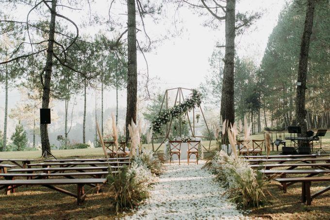 Yenni and Peter Wedding Day by Pine Hill Cibodas - 006