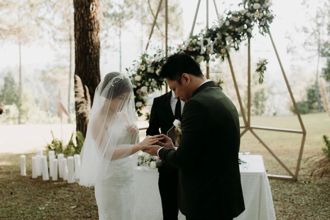 Yenni and Peter Wedding Day by NOMA Jewelry & Accessories - 015