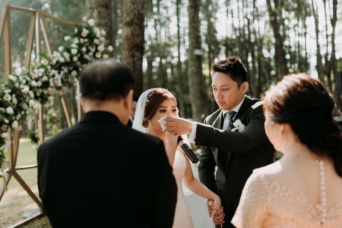 Yenni and Peter Wedding Day by NOMA Jewelry & Accessories - 017