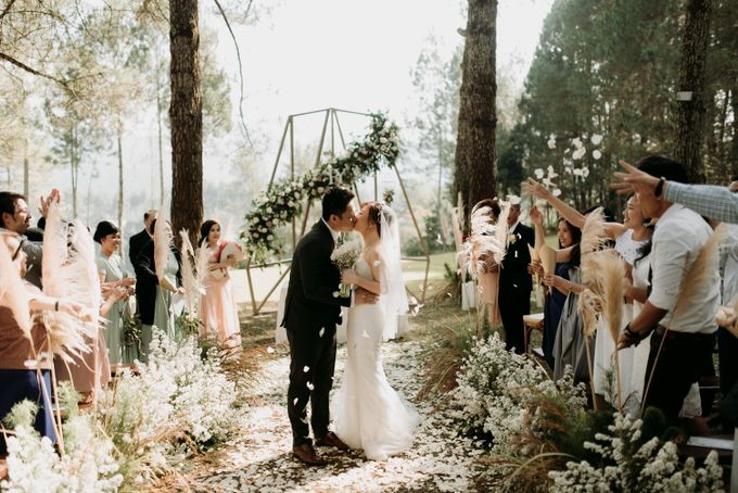 Yenni and Peter Wedding Day by NOMA Jewelry & Accessories - 019