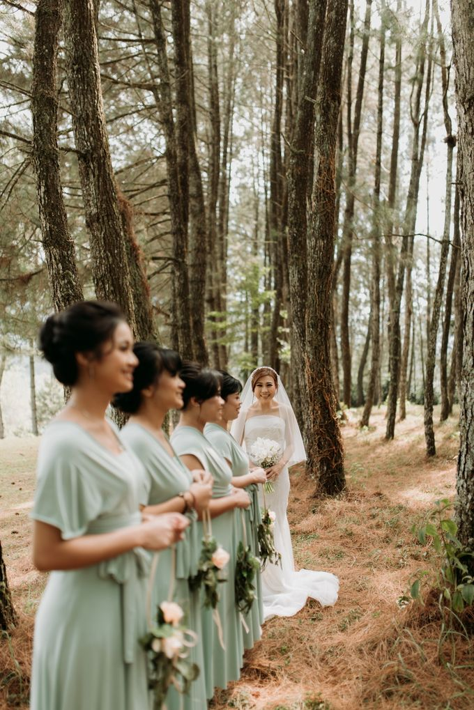 Yenni and Peter Wedding Day by NOMA Jewelry & Accessories - 028