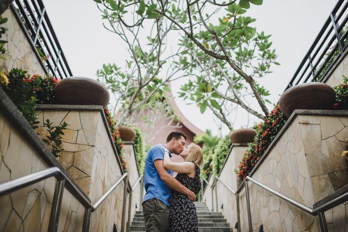 Glenn & Camille Engagement Portrait by Shangri-La Rasa Sayang Resort - 002