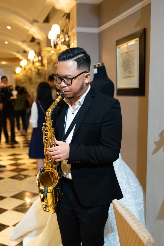 Summer in Paris Wedding Open House by Artist Booking - Full Color Entertainment  - 030