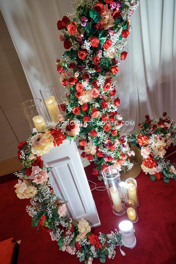 Bright Red & Crispy White Reception - Daniel & Cordelia by Glitz&Glam Studiobooth - 004