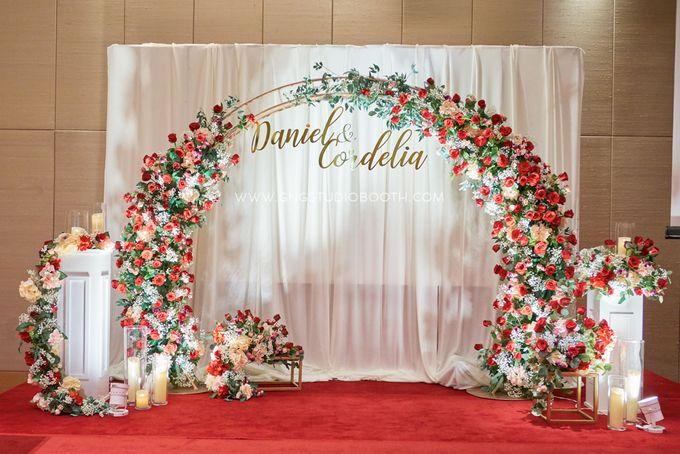 Bright Red & Crispy White Reception - Daniel & Cordelia by Glitz&Glam Studiobooth - 001