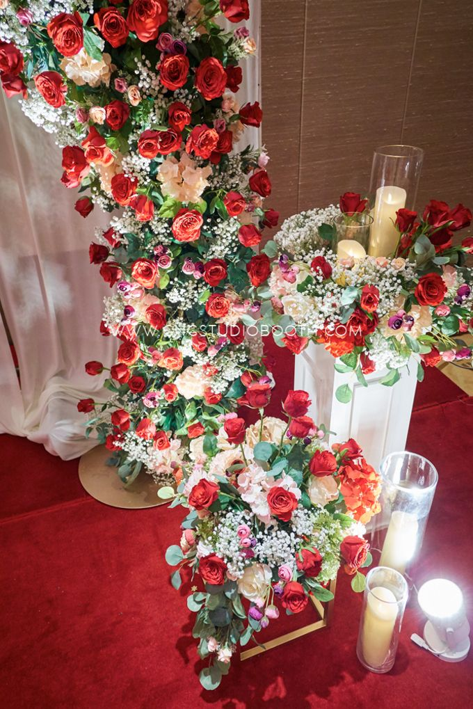 Bright Red & Crispy White Reception - Daniel & Cordelia by Glitz&Glam Studiobooth - 006