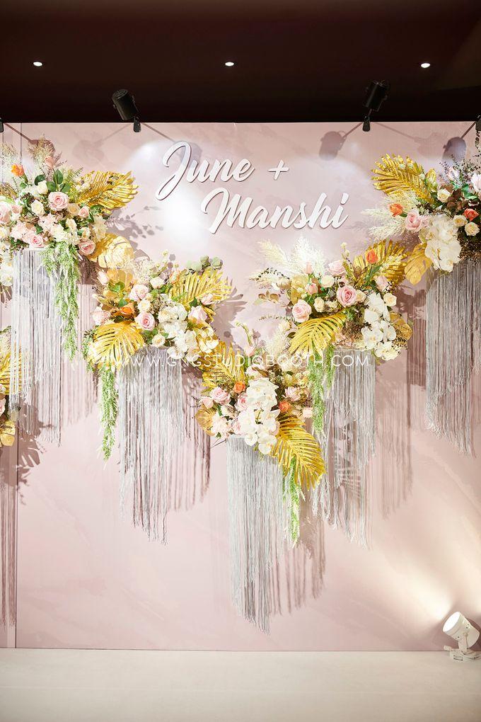 June & Manshi by Glitz&Glam Studiobooth - 013