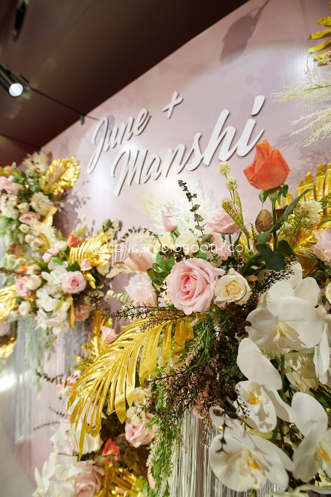 June & Manshi by Glitz&Glam Studiobooth - 014