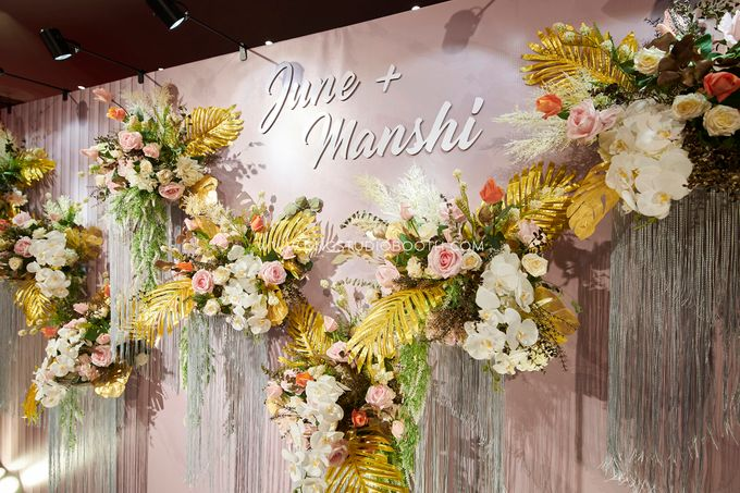 June & Manshi by Glitz&Glam Studiobooth - 031