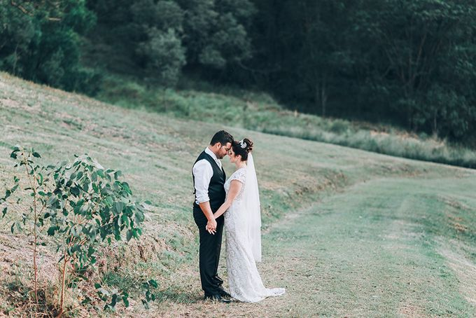 Carly & Adam | Peppers Ruffles Lodge Wedding by Andrew Sun Photography - 024