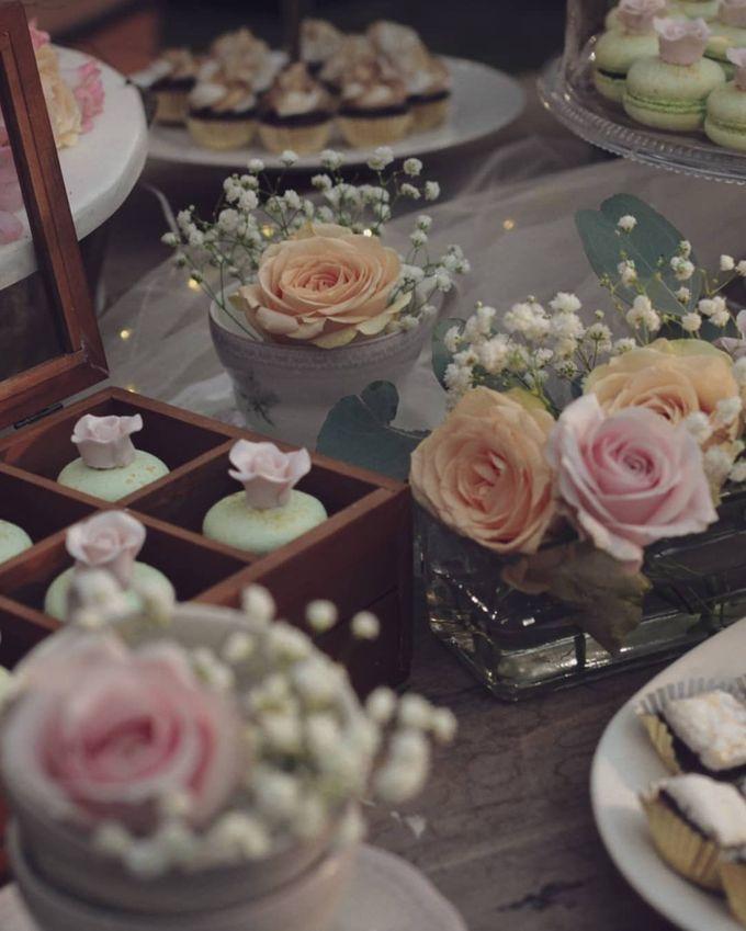Rustic Dessert Table by Gordon Blue Cake - 022