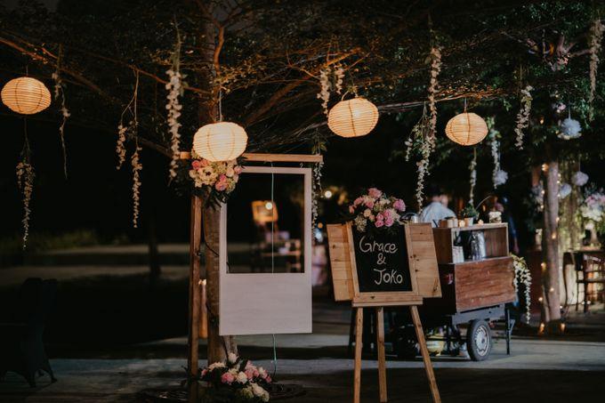 Lakeside Wedding of Grace & Joko by AKSA Creative - 003
