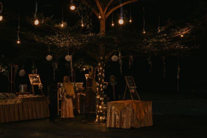 Lakeside Wedding of Grace & Joko by AKSA Creative - 004