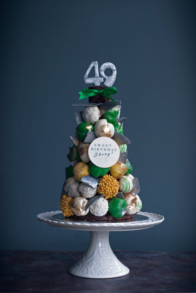 Wedding CROQUEMBOUCHE -Cream Puff Tower by Pulse Patisserie - 008