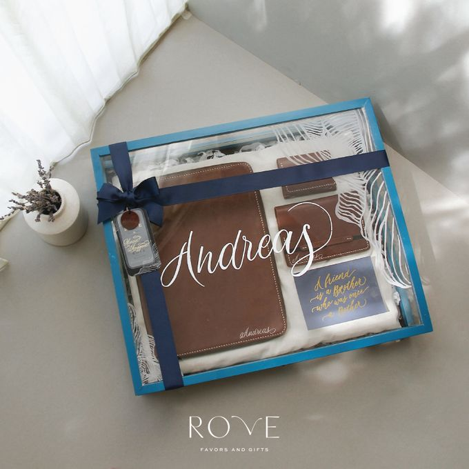 Groomsmen Kit For Your Best Friends by Rove Gift - 005