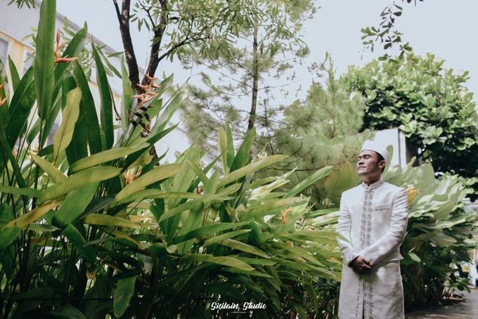 The Ballroom Wedding Of Muti & Adhi by Fave Hotel Hypersquare - 008
