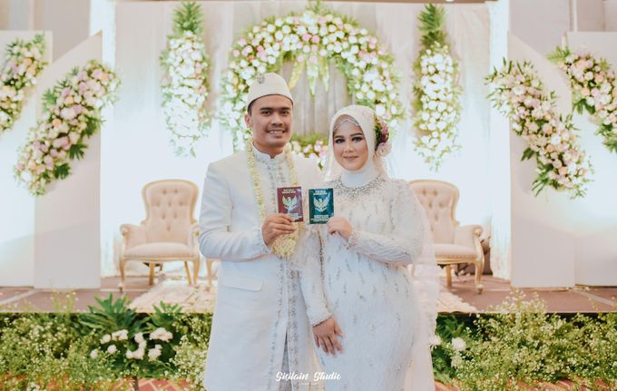 The Ballroom Wedding Of Muti & Adhi by Fave Hotel Hypersquare - 017