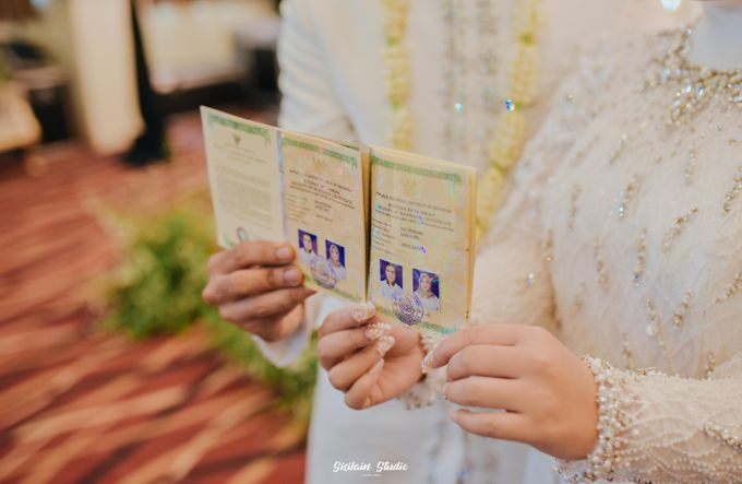 The Ballroom Wedding Of Muti & Adhi by Fave Hotel Hypersquare - 018