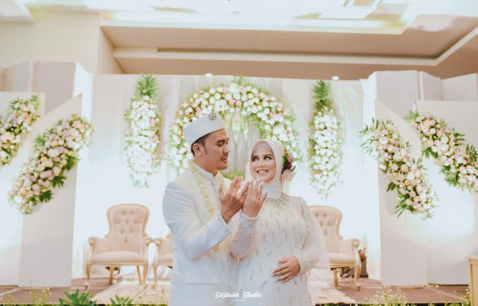 The Ballroom Wedding Of Muti & Adhi by Fave Hotel Hypersquare - 020