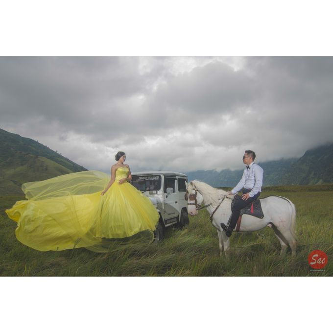 Prewedding Bromo by SAE Photoworks - 011