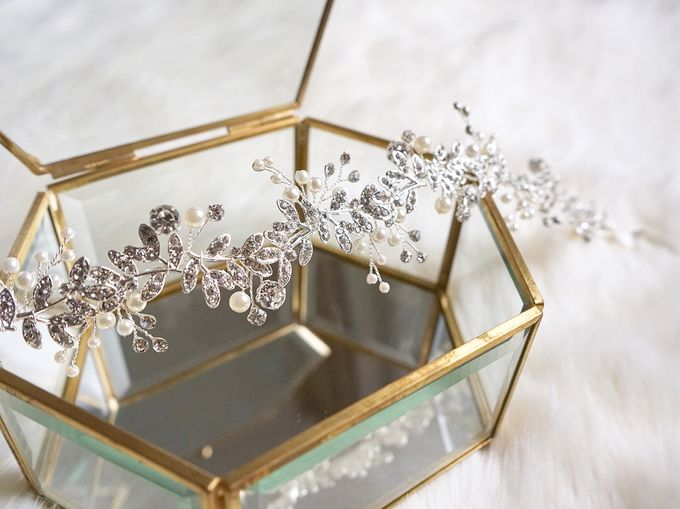 Catalog - Wedding & Pre-wedding Hairpiece by NOMA Jewelry & Accessories - 044