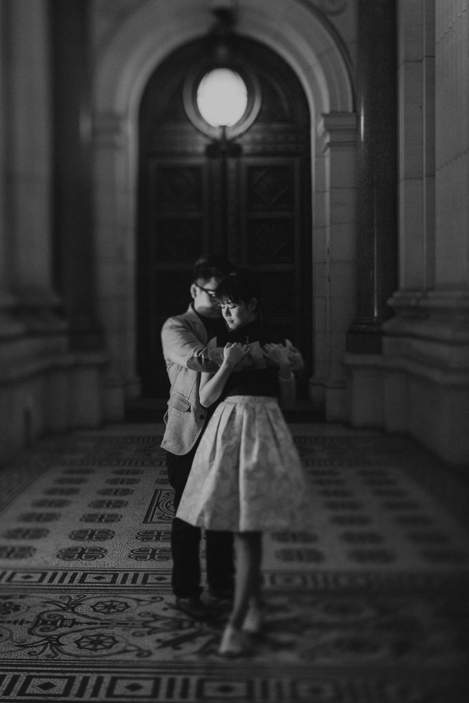 Tender Couple Session in Melbourne City by fire, wood & earth - 028