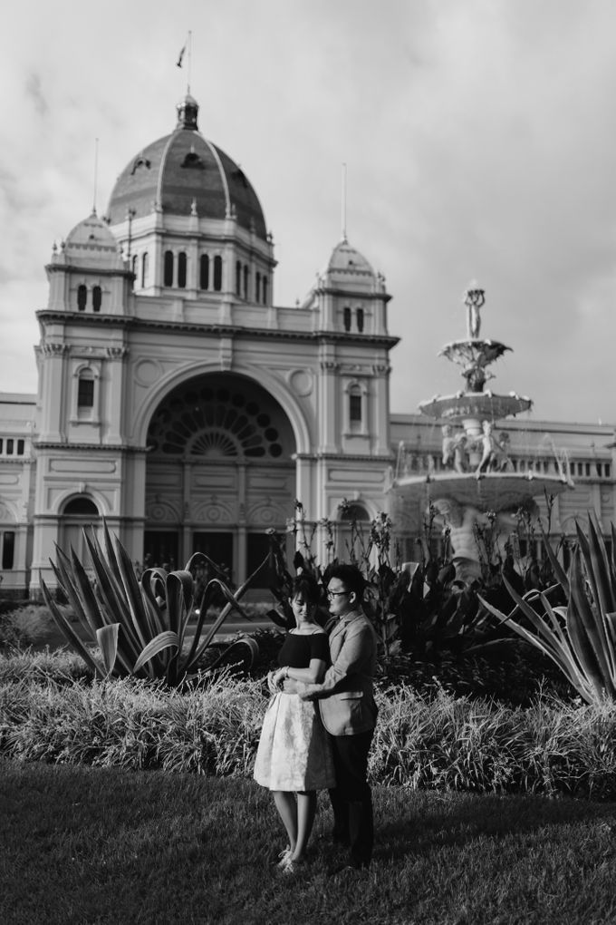 Tender Couple Session in Melbourne City by fire, wood & earth - 003