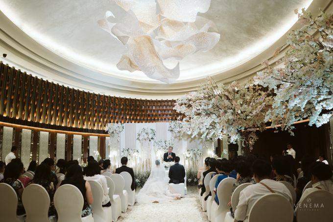 Clean and Elegant Wedding at Ayana MidPlaza by Priscilla Myrna - 018