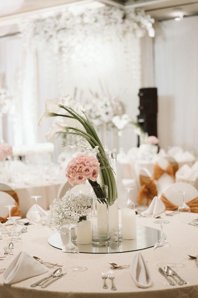 Clean and Elegant Wedding at Ayana MidPlaza by Priscilla Myrna - 019