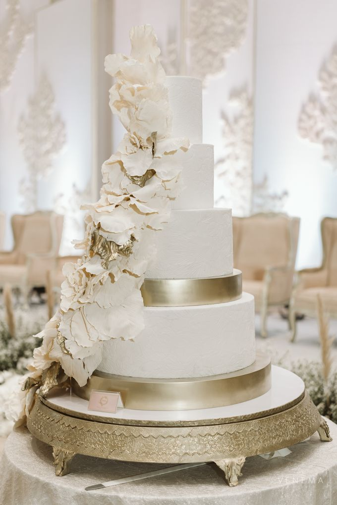 Clean and Elegant Wedding at Ayana MidPlaza by Priscilla Myrna - 020
