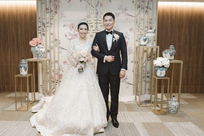 Clean and Elegant Wedding at Ayana MidPlaza by Priscilla Myrna - 010