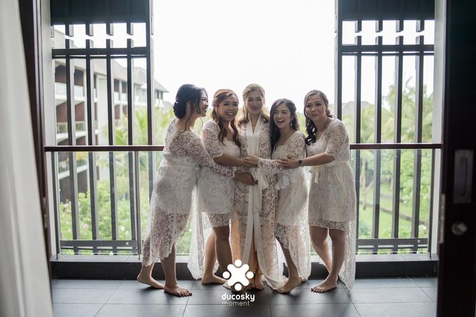 Harfy Chindy Wedding | Chindy and the Bridesmaid by Florencia Augustine - 003