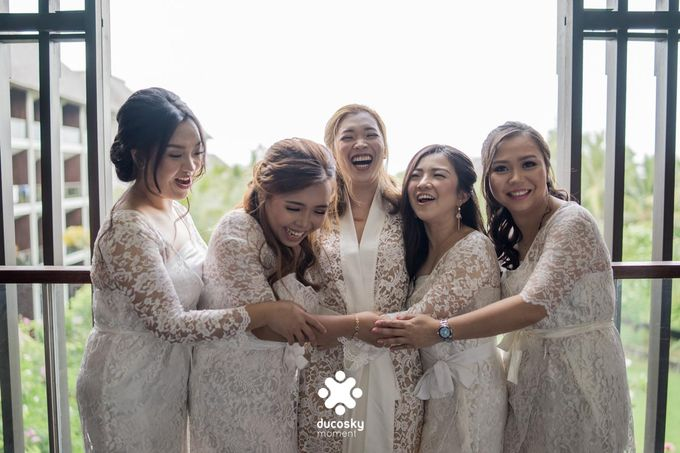 Harfy Chindy Wedding | Chindy and the Bridesmaid by Florencia Augustine - 005