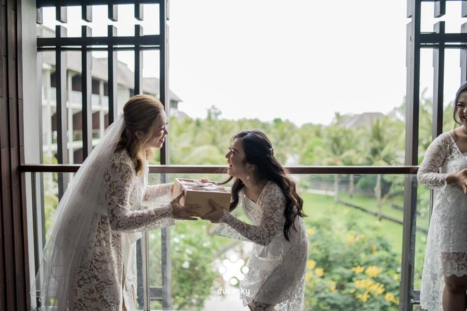 Harfy Chindy Wedding | Chindy and the Bridesmaid by Florencia Augustine - 009