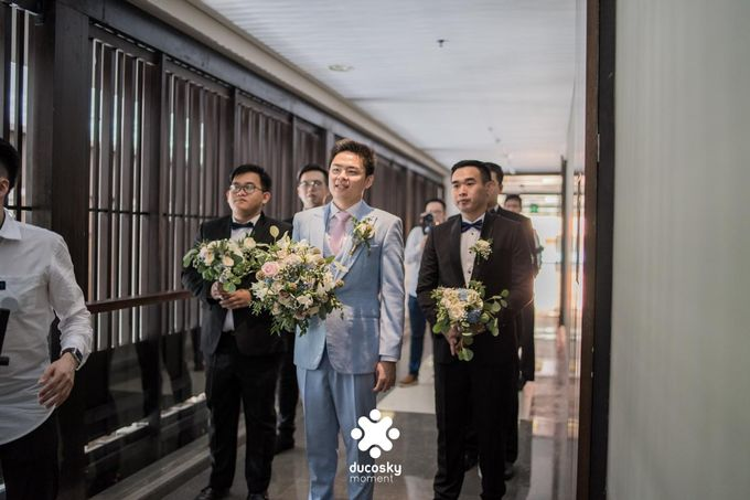 Harfy Chindy Wedding | The First Look by Florencia Augustine - 015