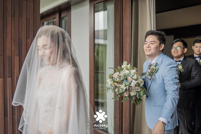 Harfy Chindy Wedding | The First Look by Florencia Augustine - 022
