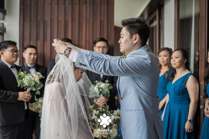 Harfy Chindy Wedding | The First Look by Florencia Augustine - 032