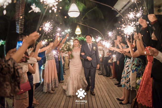 Harfy Chindy Wedding | Stardust on The Beach by Florencia Augustine - 004