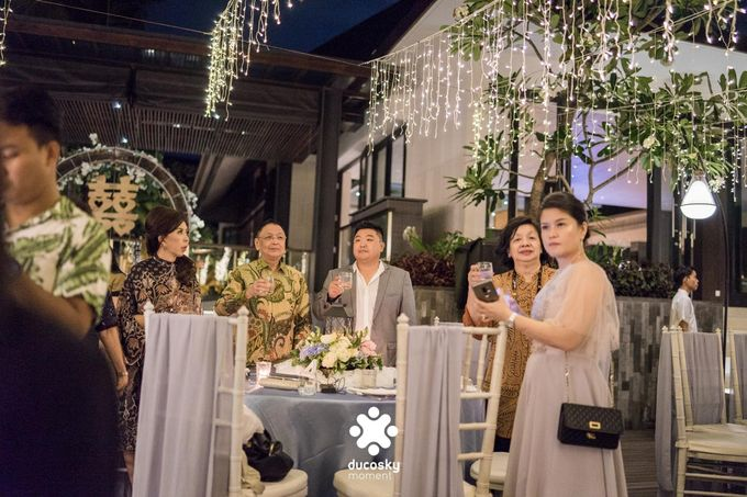 Harfy Chindy Wedding | Stardust on The Beach by Florencia Augustine - 016