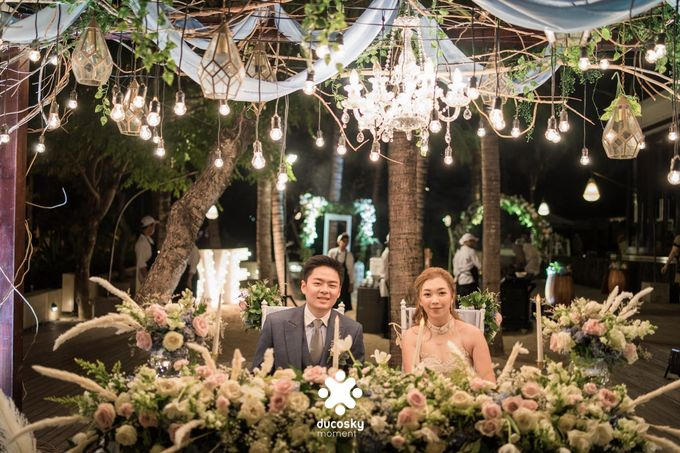 Harfy Chindy Wedding | Stardust on The Beach by Florencia Augustine - 019