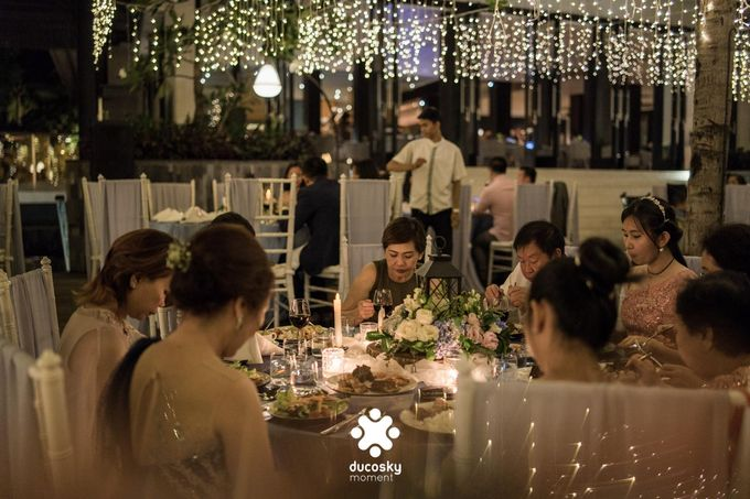 Harfy Chindy Wedding | Stardust on The Beach by Florencia Augustine - 023