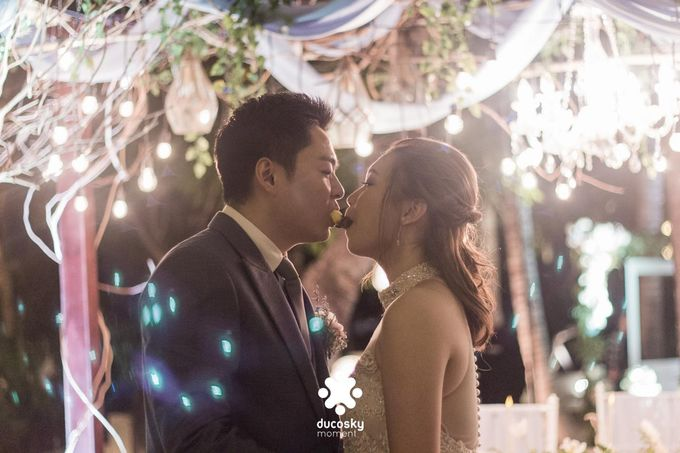 Harfy Chindy Wedding | Stardust on The Beach by Florencia Augustine - 029