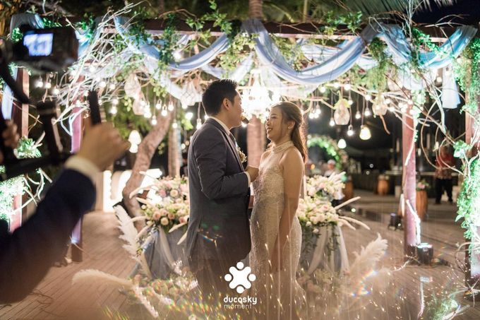Harfy Chindy Wedding | Stardust on The Beach by Florencia Augustine - 028