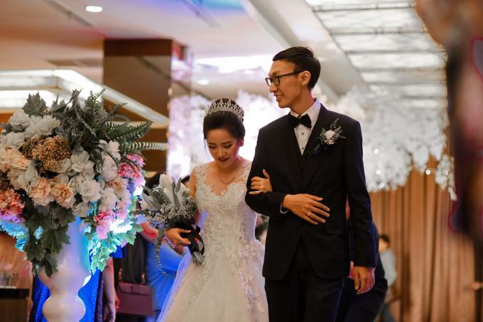 Gracia's  Wedding Bouquet by Hatiku Florist - 002