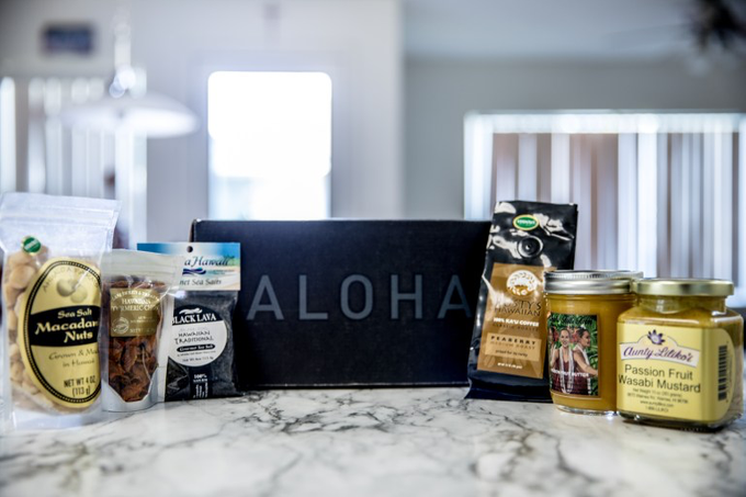 Hawaii Gourmet Gift Box by Hawaii Gourmet Gift Box - 004