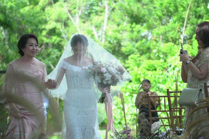 Jonathan & Shannon at Wonderland Uluwatu by Catalina Flora - 045