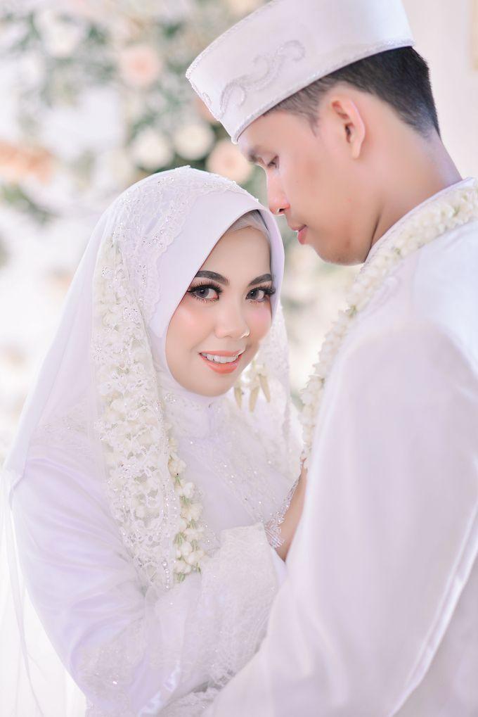 Akad Nikah Dhiyah & Wahyu by LAKSMI - Kebaya Muslimah & Islamic Bride - 001