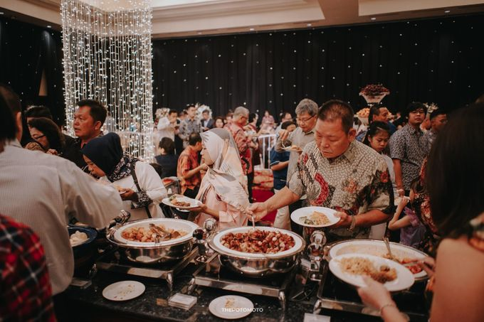 Ritz Carlton Kuningan - Tommy & Catherine by Maestro Wedding Organizer - 003
