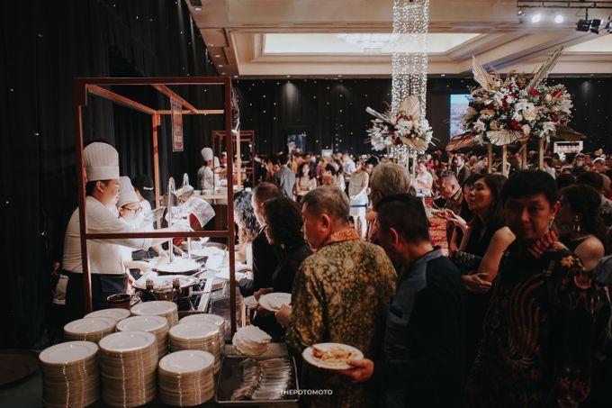 Ritz Carlton Kuningan - Tommy & Catherine by Maestro Wedding Organizer - 005