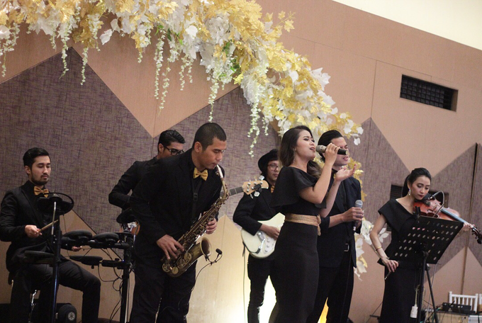 Full Band with saxo & violin by HEAVEN ENTERTAINMENT - 002